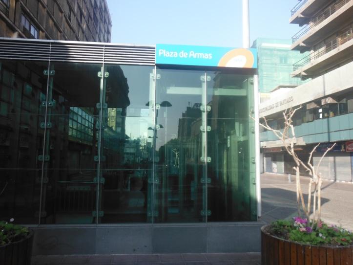 Plaza De Armas subway stop