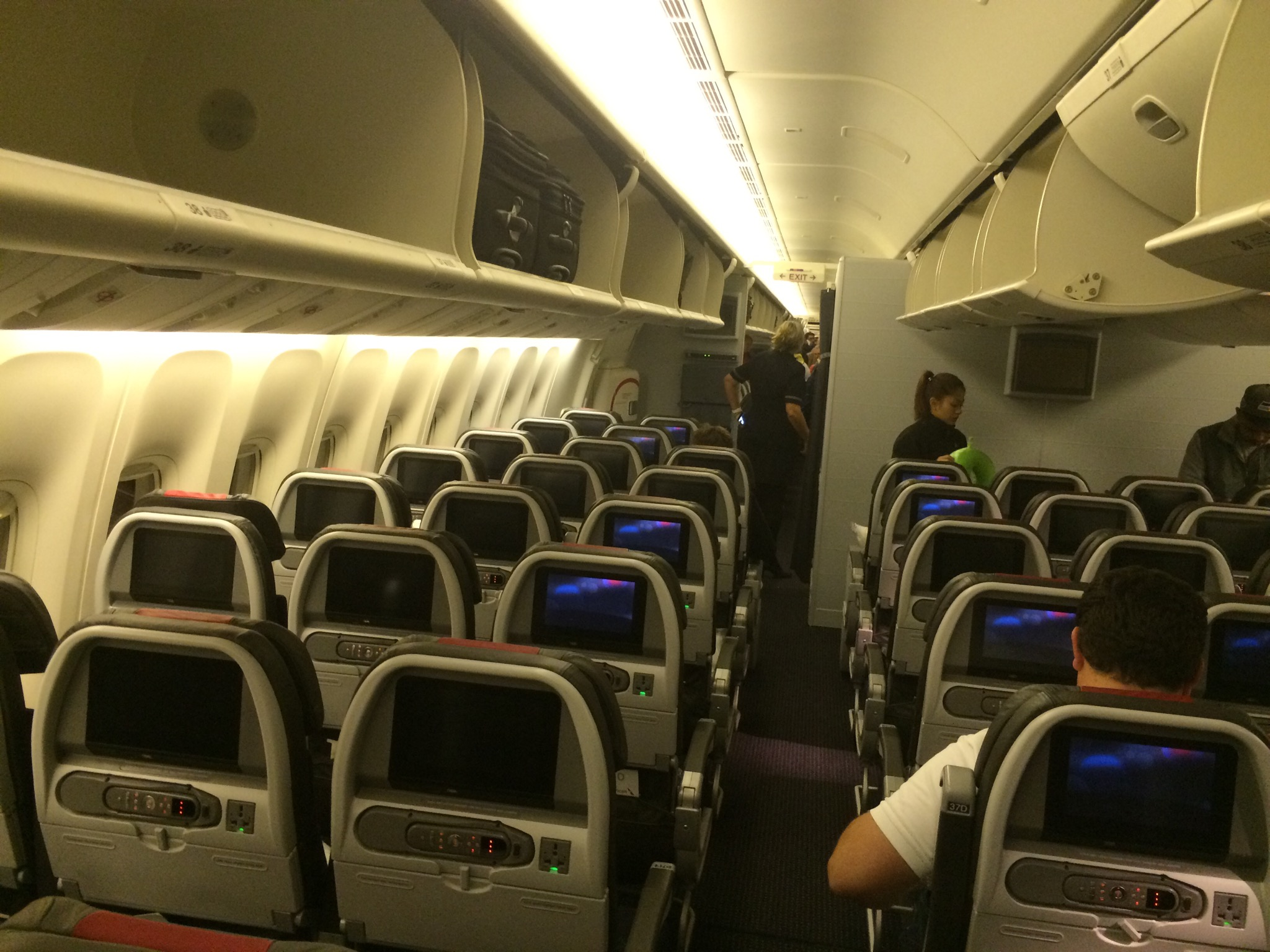Review American Airlines Coach Class Jfk To London